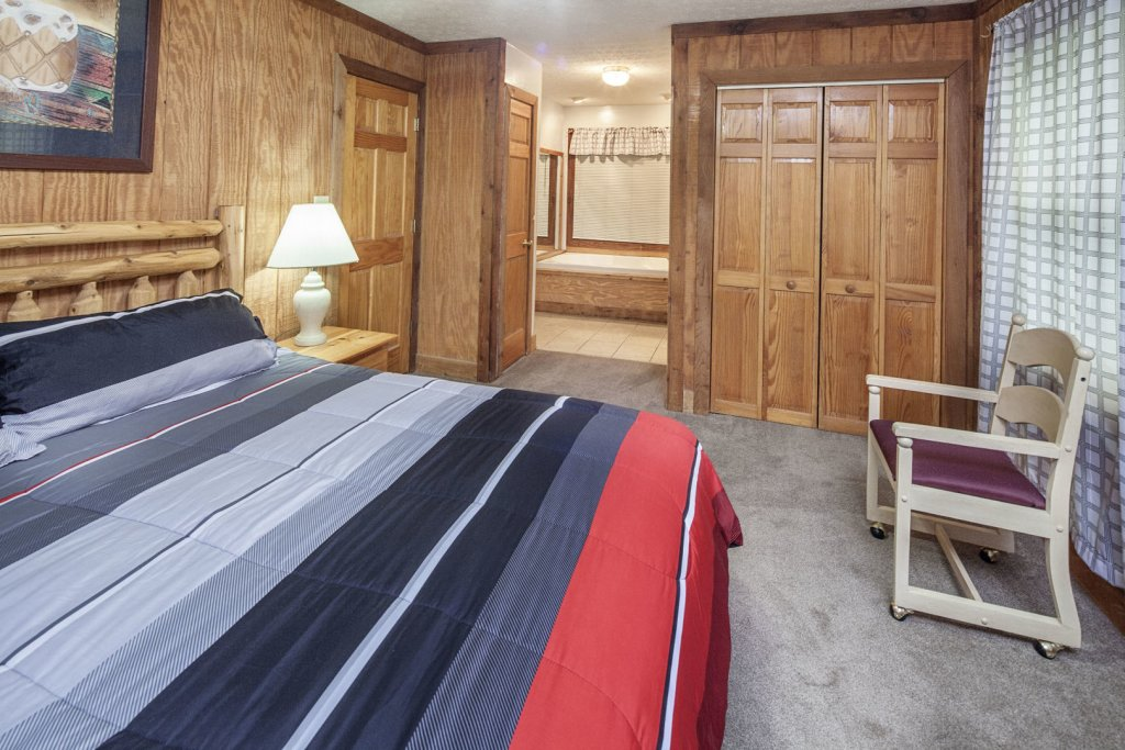 Photo of a Pigeon Forge Cabin named  Grandma & Granpaws Place - This is the fifteenth photo in the set.