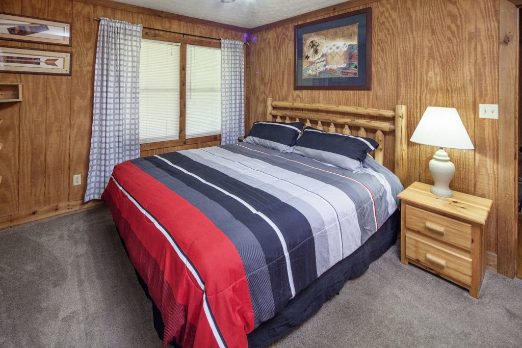 Photo of a Pigeon Forge Cabin named  Grandma & Granpaws Place - This is the thirteenth photo in the set.