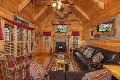 A 2 Bedroom, 2 Bath, Luxury Cabin For 6; Easy To Access, No Mountain Roads.