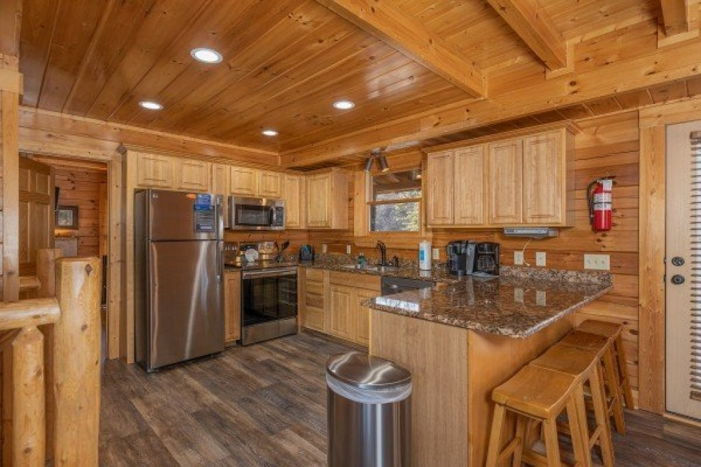 Photo of a Sevierville Cabin named Loving Every Minute - This is the sixth photo in the set.