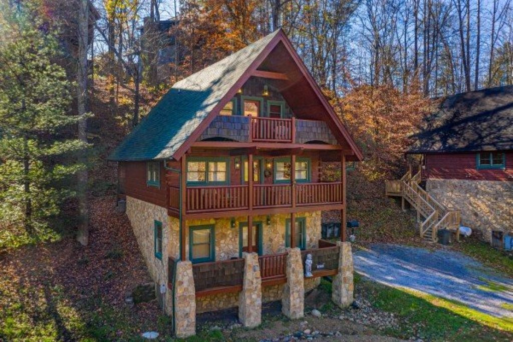 Photo of a Pigeon Forge Cabin named A Beary Nice Cabin - This is the thirty-first photo in the set.