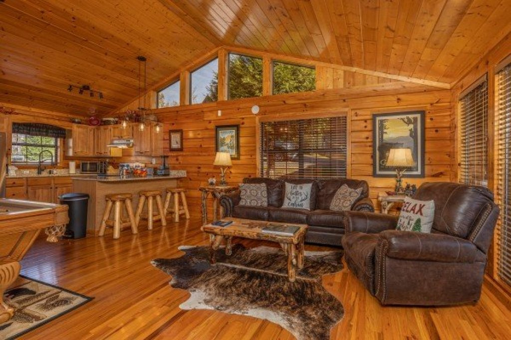 Photo of a Pigeon Forge Cabin named Close At Heart - This is the ninth photo in the set.