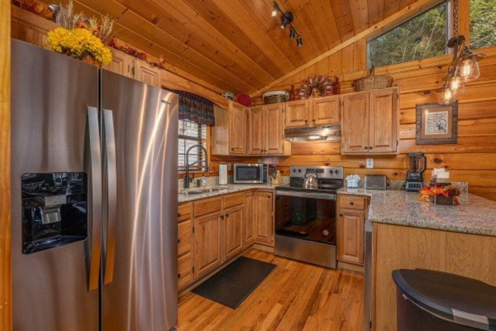 Photo of a Pigeon Forge Cabin named Close At Heart - This is the eighth photo in the set.