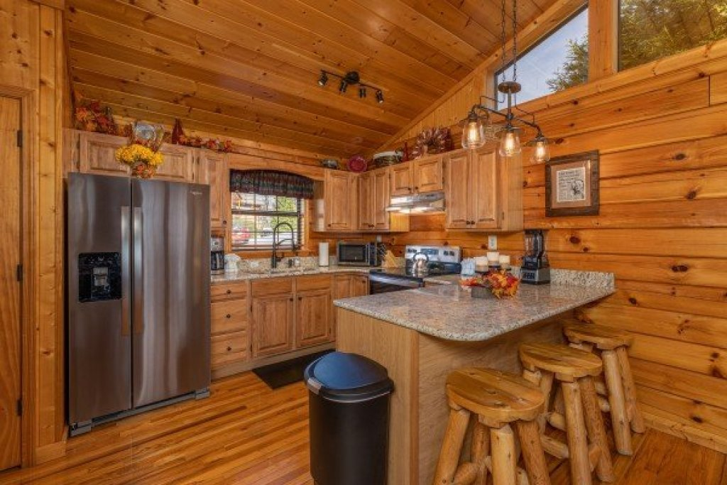 Photo of a Pigeon Forge Cabin named Close At Heart - This is the seventh photo in the set.