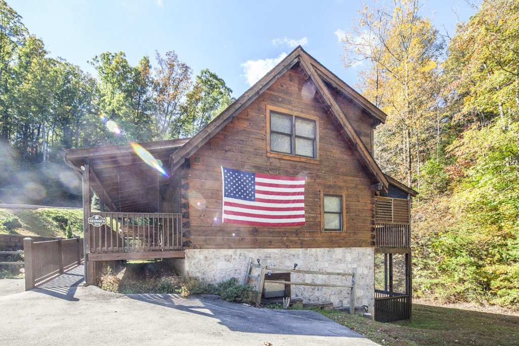 Photo of a Pigeon Forge Cabin named  George's - This is the seventeenth photo in the set.