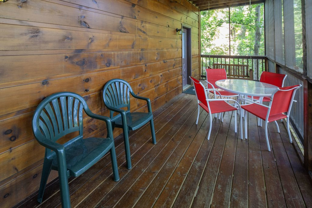 Photo of a Pigeon Forge Cabin named  Making Memories - This is the twelfth photo in the set.