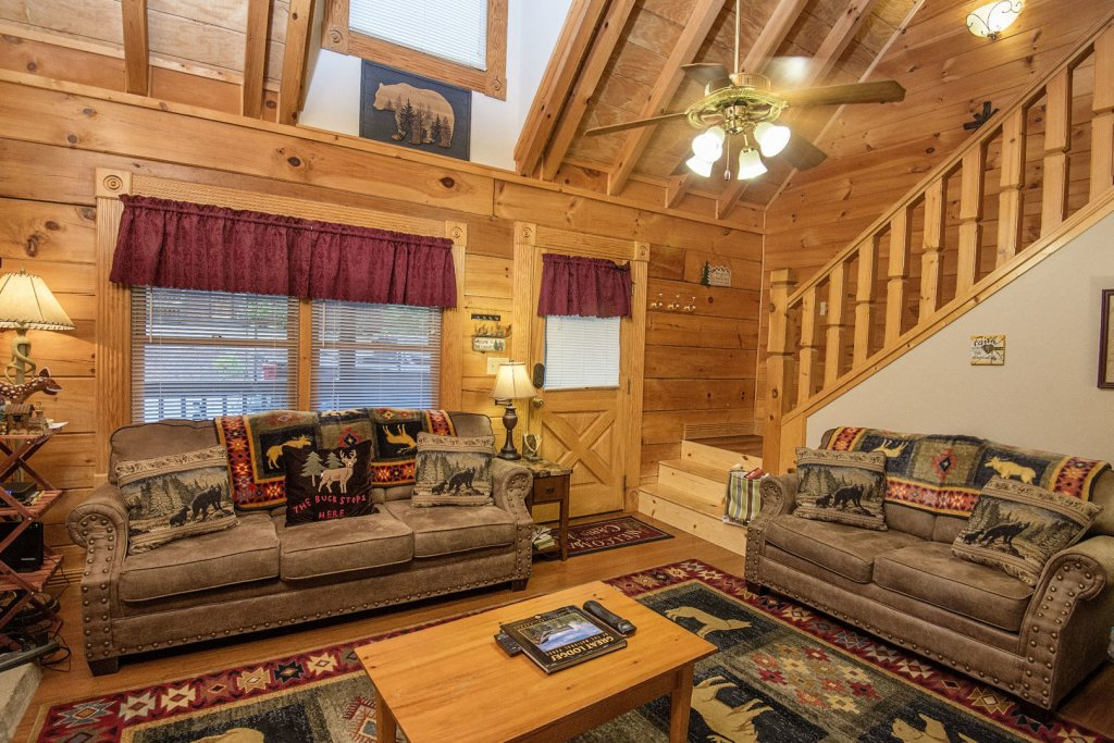 Photo of a Pigeon Forge Cabin named  Making Memories - This is the third photo in the set.