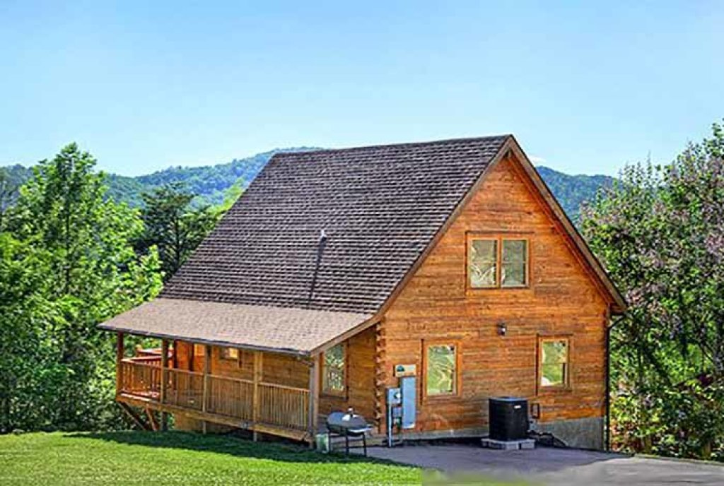 Photo of a Pigeon Forge Cabin named Sunset Mountain View - This is the first photo in the set.