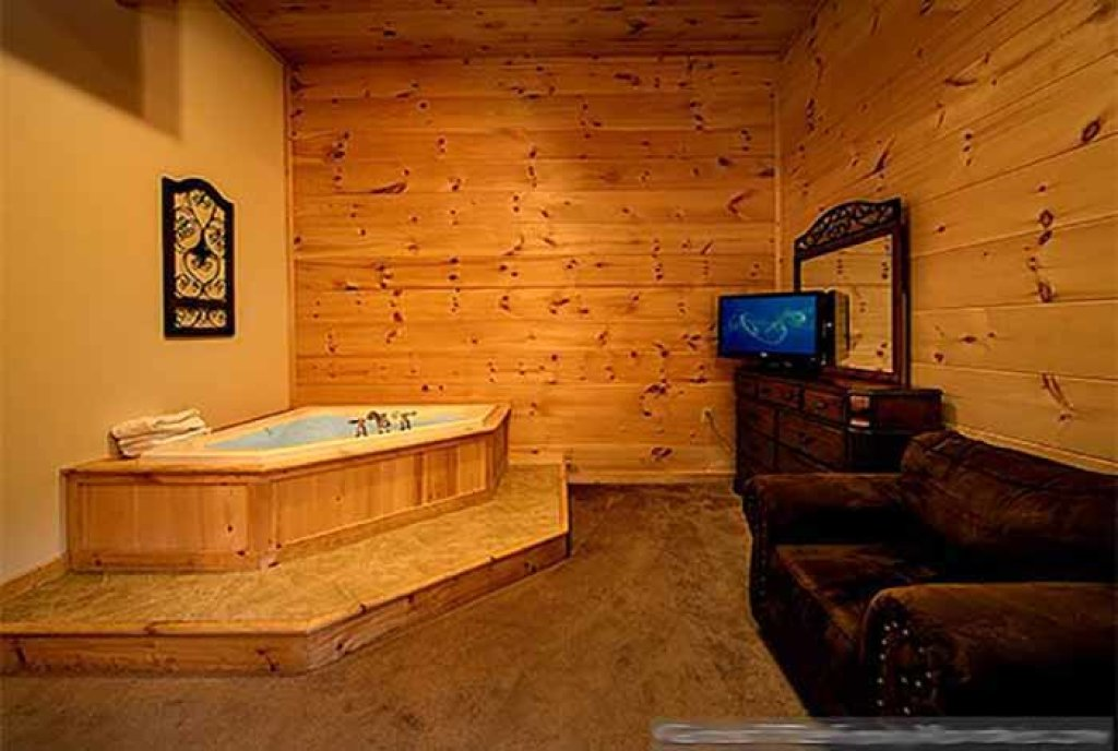 Photo of a Pigeon Forge Cabin named Sunset Mountain View - This is the thirteenth photo in the set.