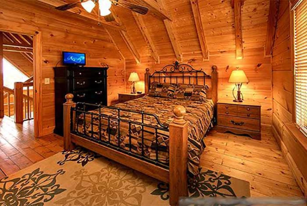 Photo of a Pigeon Forge Cabin named Sunset Mountain View - This is the fifteenth photo in the set.