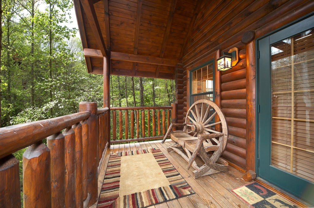 Photo of a Gatlinburg Cabin named Fontana - This is the fifth photo in the set.
