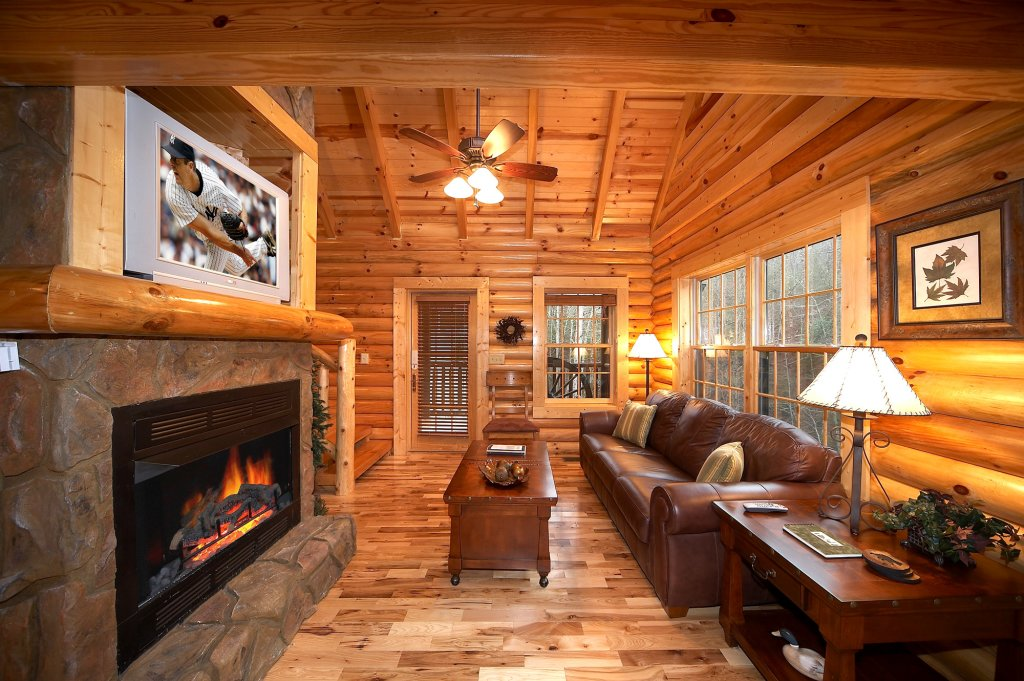 Photo of a Gatlinburg Cabin named Fontana - This is the thirty-third photo in the set.