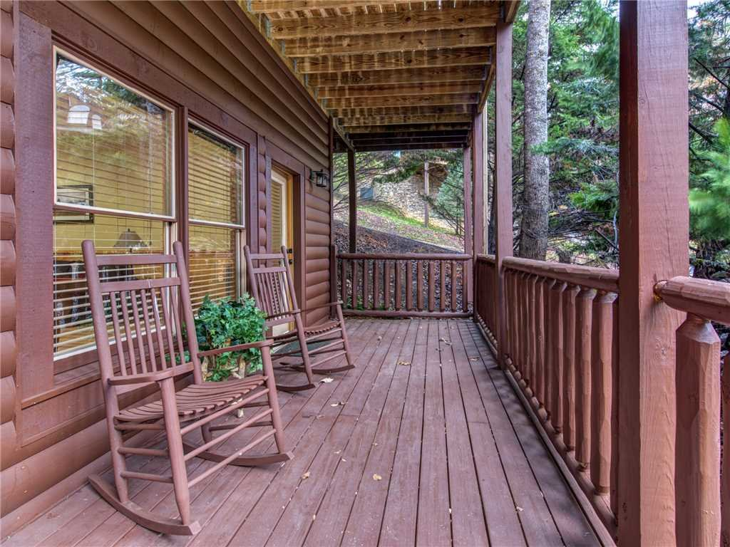 Photo of a Pigeon Forge Cabin named Firefly Nights - This is the twenty-second photo in the set.