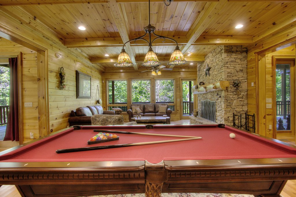 Photo of a Pigeon Forge Cabin named Birds Creek Mansion #650 - This is the fifth photo in the set.