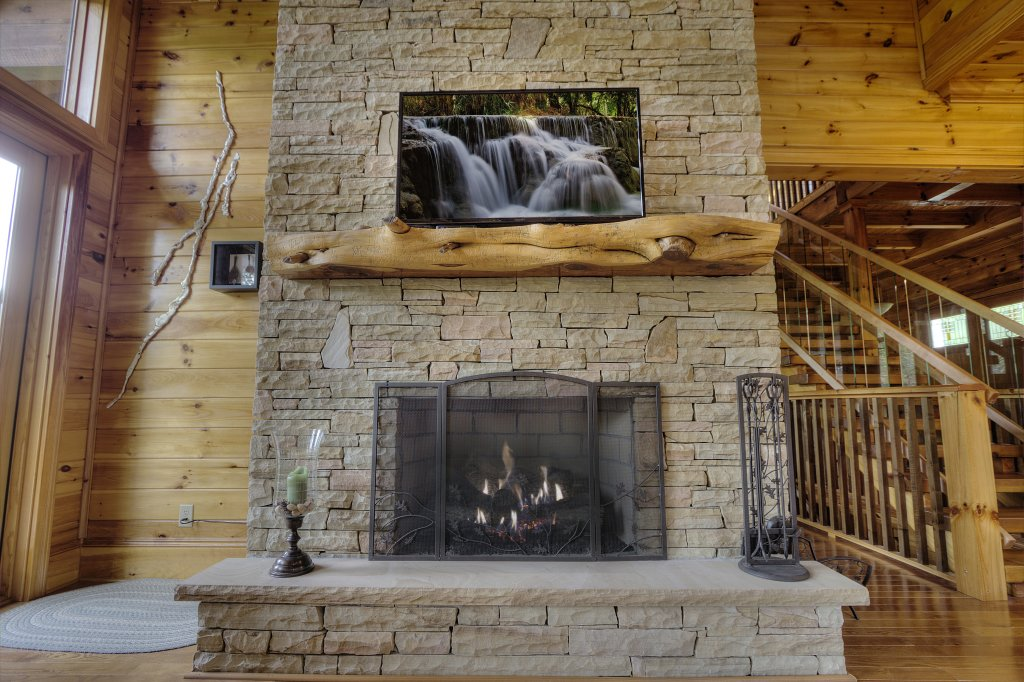 Photo of a Pigeon Forge Cabin named Birds Creek Mansion #650 - This is the fifteenth photo in the set.