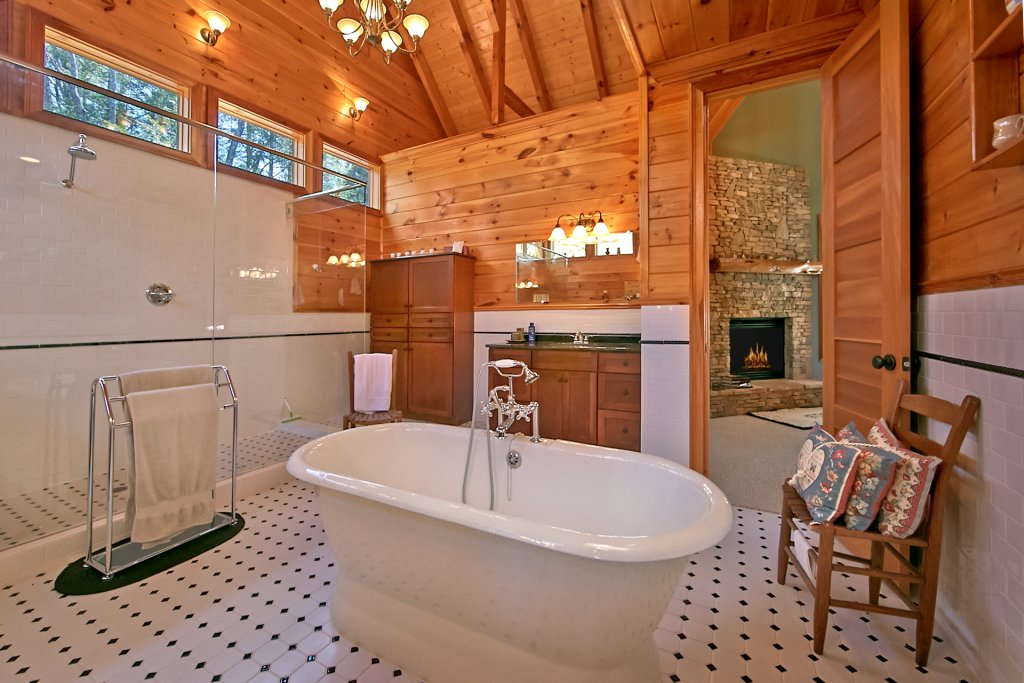 Photo of a Pigeon Forge Cabin named Birds Creek Mansion #650 - This is the ninety-seventh photo in the set.