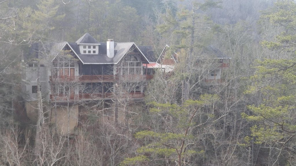 Photo of a Pigeon Forge Cabin named Birds Creek Mansion #650 - This is the one hundred and third photo in the set.