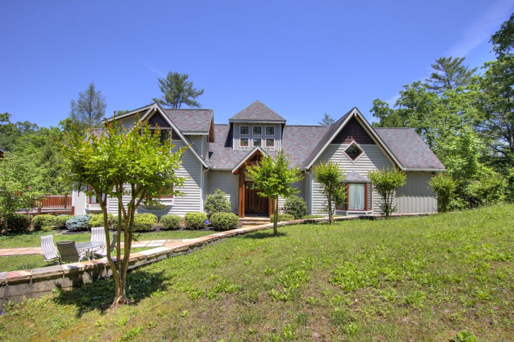 Photo of a Pigeon Forge Cabin named Birds Creek Mansion #650 - This is the fifty-ninth photo in the set.