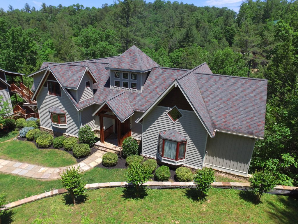 Photo of a Pigeon Forge Cabin named Birds Creek Mansion #650 - This is the one hundred and first photo in the set.