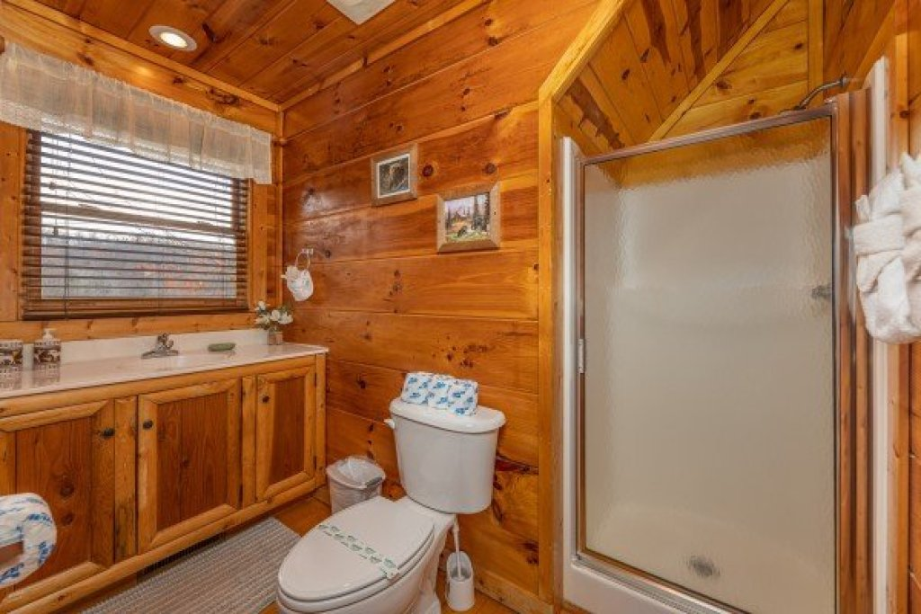 Photo of a Gatlinburg Cabin named Dragonfly - This is the fourteenth photo in the set.