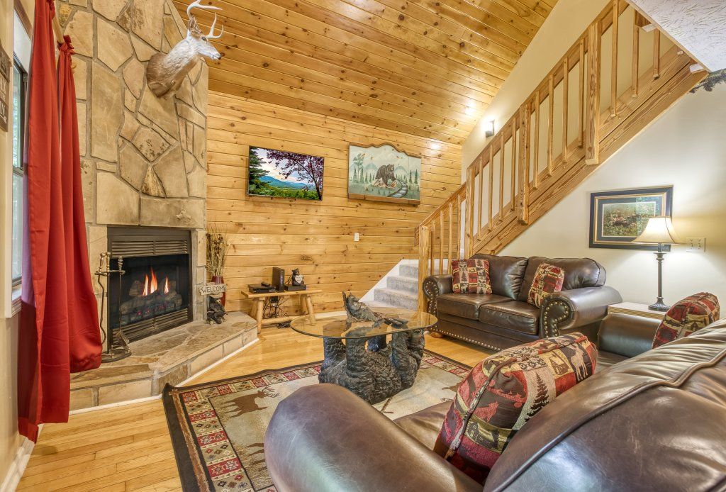 Photo of a Gatlinburg Cabin named Bear Run Getaway #1136 - This is the sixth photo in the set.