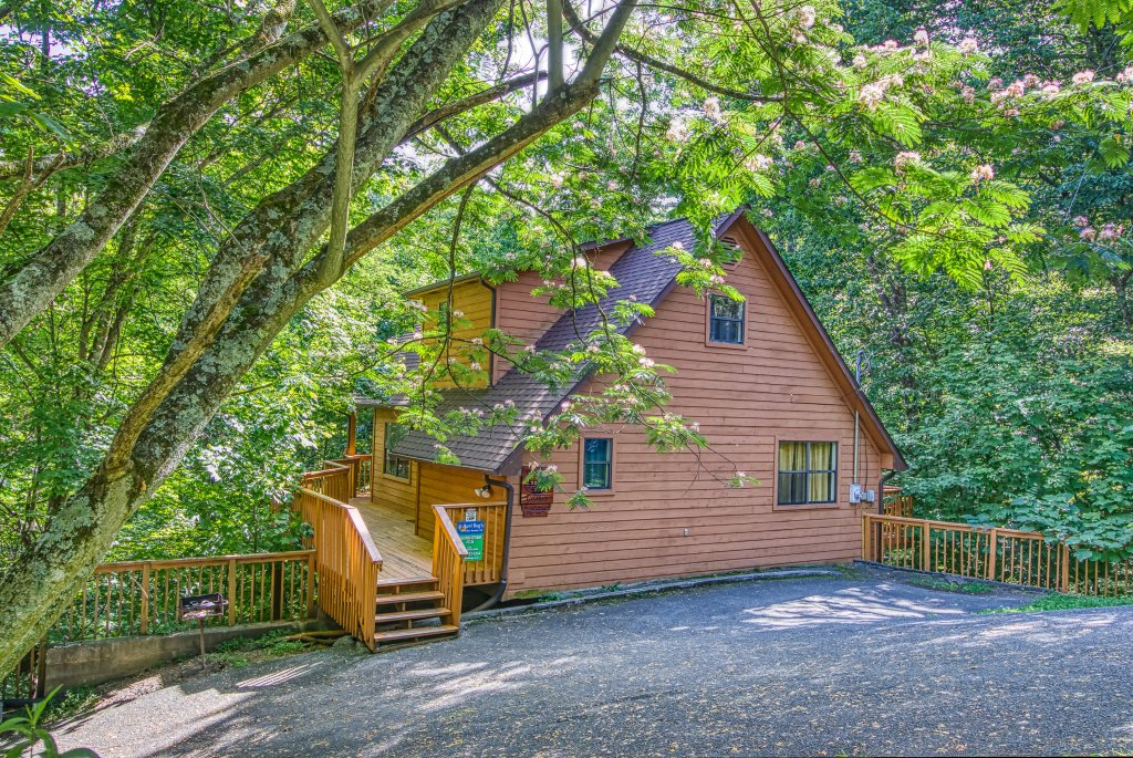 Photo of a Gatlinburg Cabin named Bear Run Getaway #1136 - This is the fifty-first photo in the set.