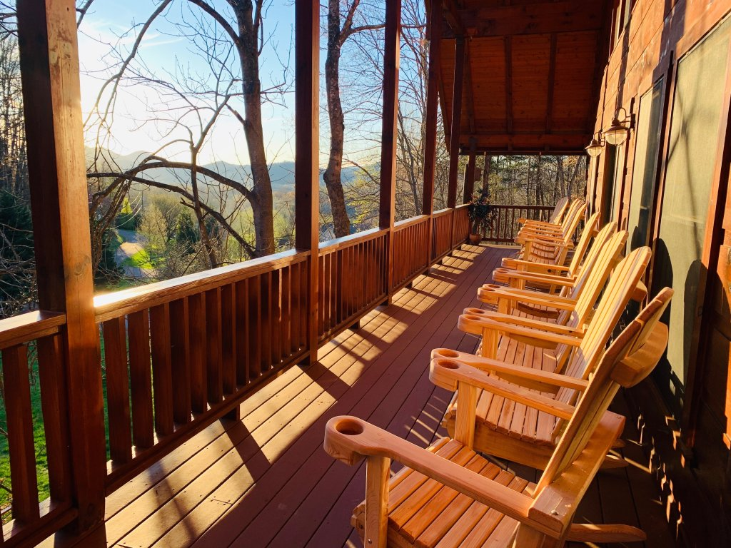 Photo of a Sevierville Cabin named Rocky Stream Lodge - This is the third photo in the set.