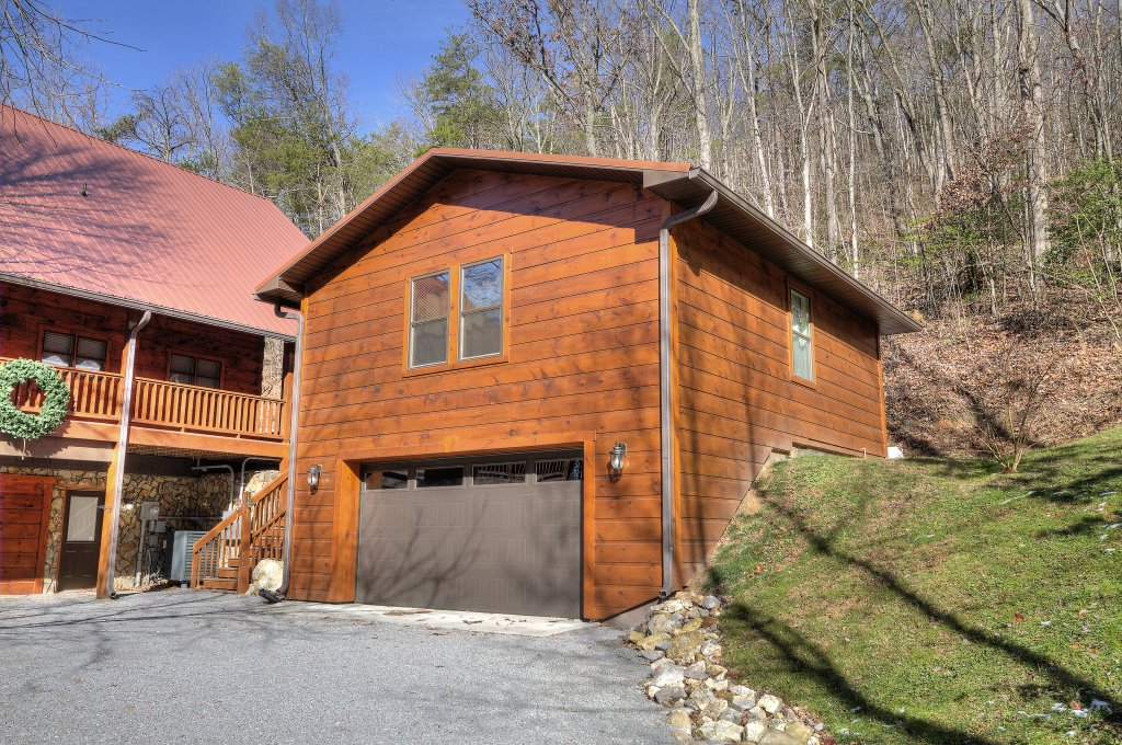 Photo of a Sevierville Cabin named Rocky Stream Lodge - This is the nineteenth photo in the set.