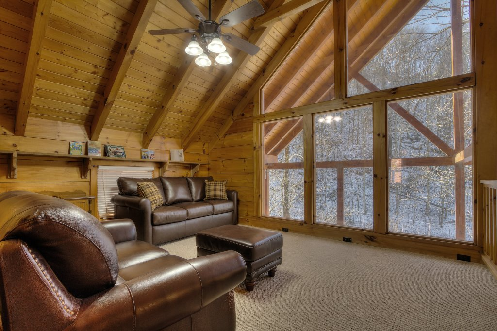 Photo of a Sevierville Cabin named Rocky Stream Lodge - This is the twenty-seventh photo in the set.