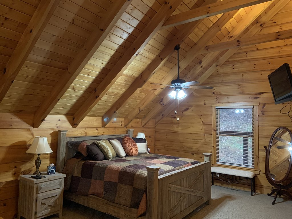 Photo of a Sevierville Cabin named Rocky Stream Lodge - This is the twenty-second photo in the set.