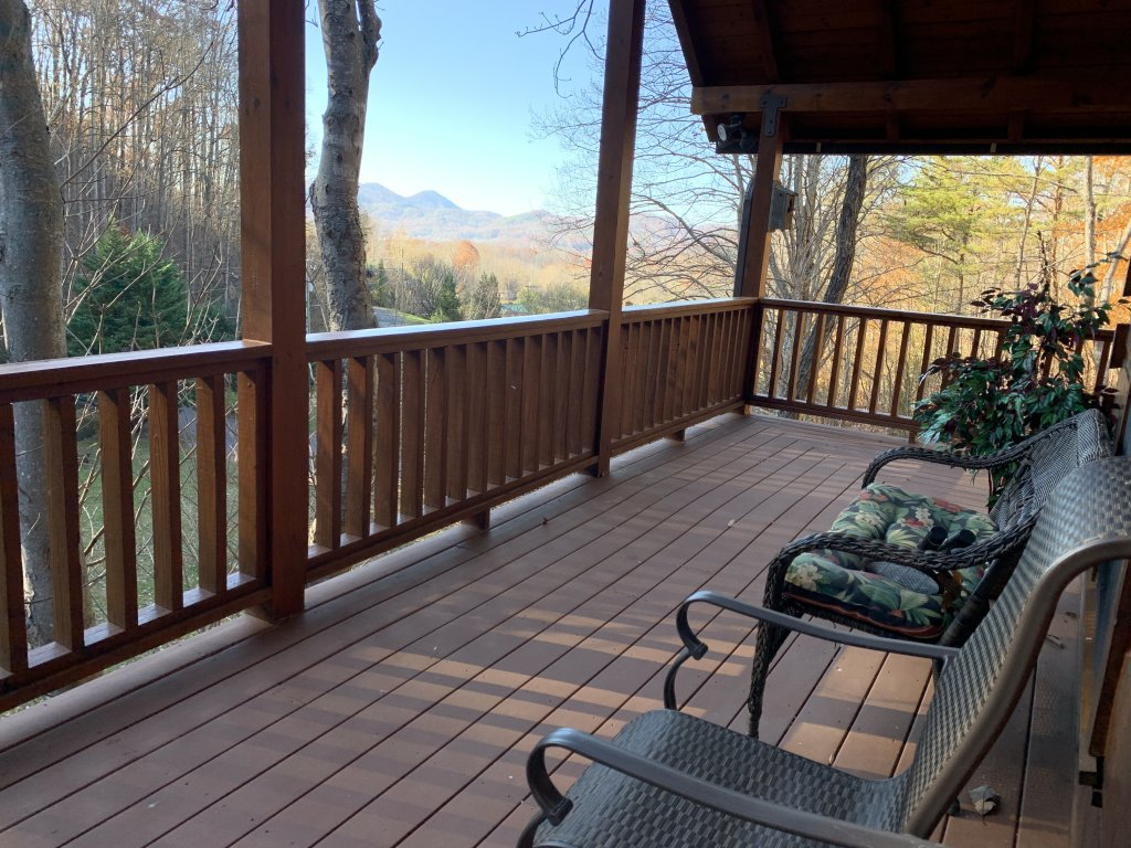 Photo of a Sevierville Cabin named Rocky Stream Lodge - This is the fourteenth photo in the set.