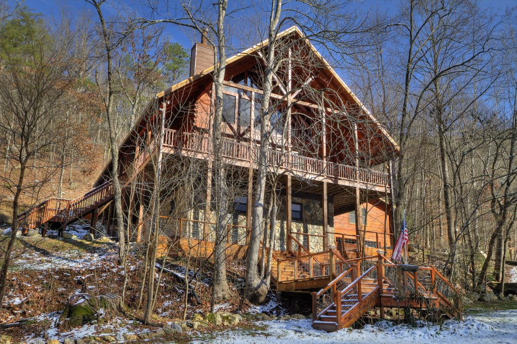 Photo of a Sevierville Cabin named Rocky Stream Lodge - This is the fifty-ninth photo in the set.