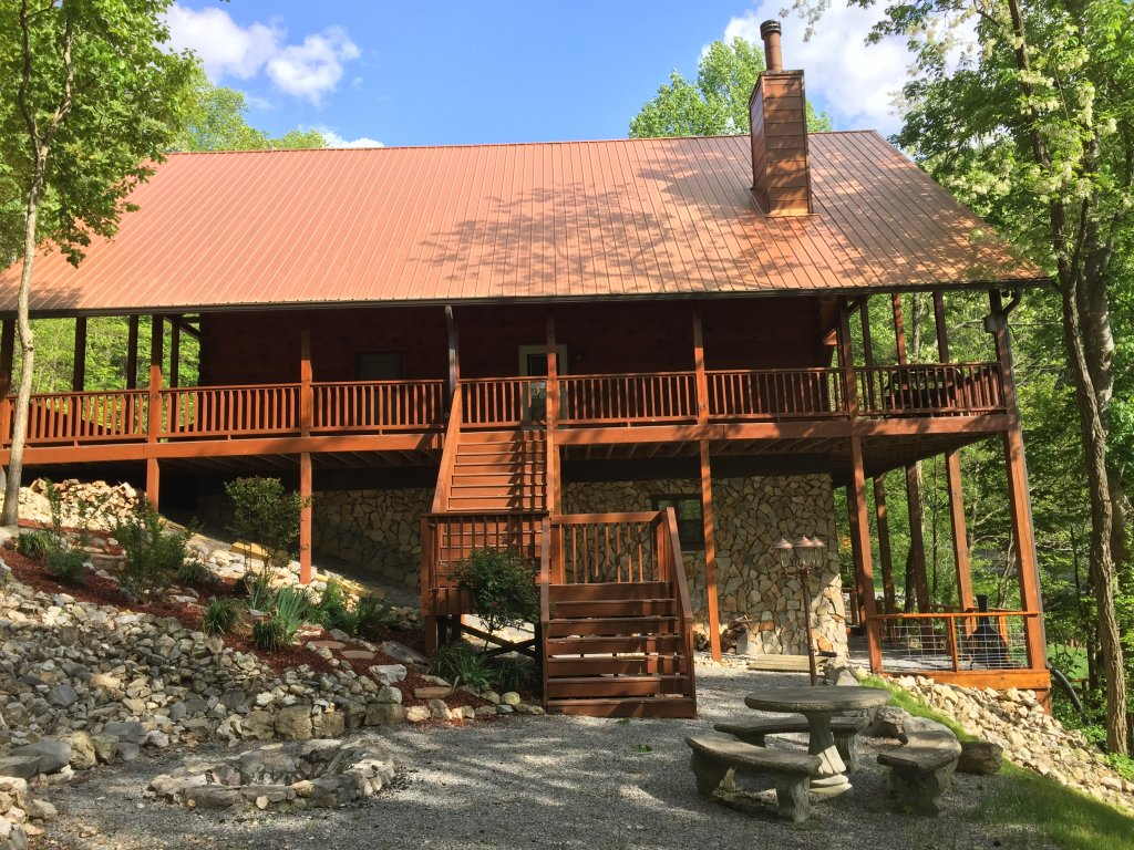 Photo of a Sevierville Cabin named Rocky Stream Lodge - This is the thirty-sixth photo in the set.