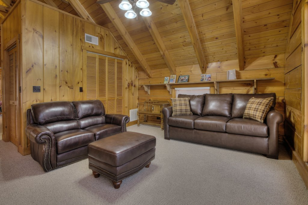 Photo of a Sevierville Cabin named Rocky Stream Lodge - This is the sixty-second photo in the set.