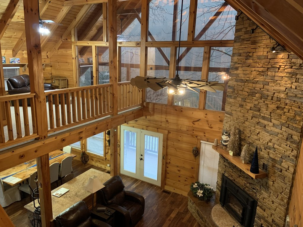 Photo of a Sevierville Cabin named Rocky Stream Lodge - This is the seventy-ninth photo in the set.