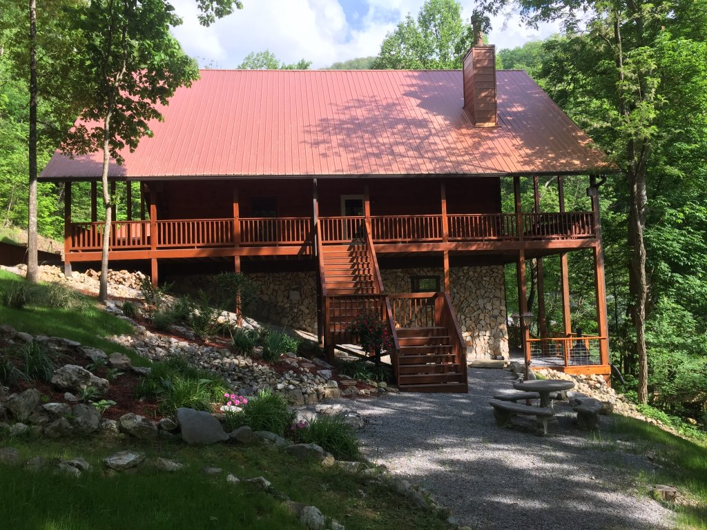Photo of a Sevierville Cabin named Rocky Stream Lodge - This is the eighty-first photo in the set.