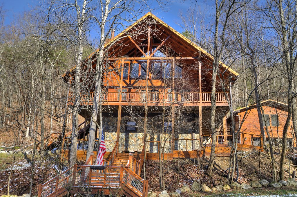 Photo of a Sevierville Cabin named Rocky Stream Lodge - This is the seventieth photo in the set.