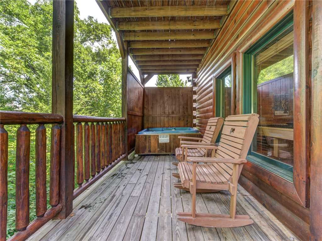 Photo of a Gatlinburg Cabin named Celebration Lodge - This is the second photo in the set.