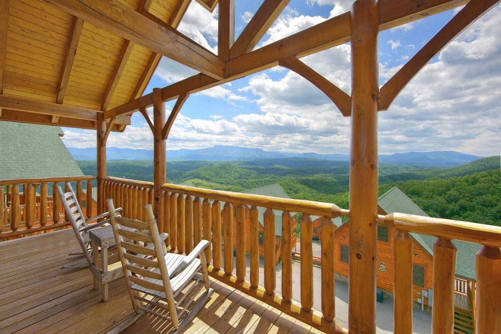 Photo of a Pigeon Forge Cabin named Heavenly Views (#97) - This is the first photo in the set.