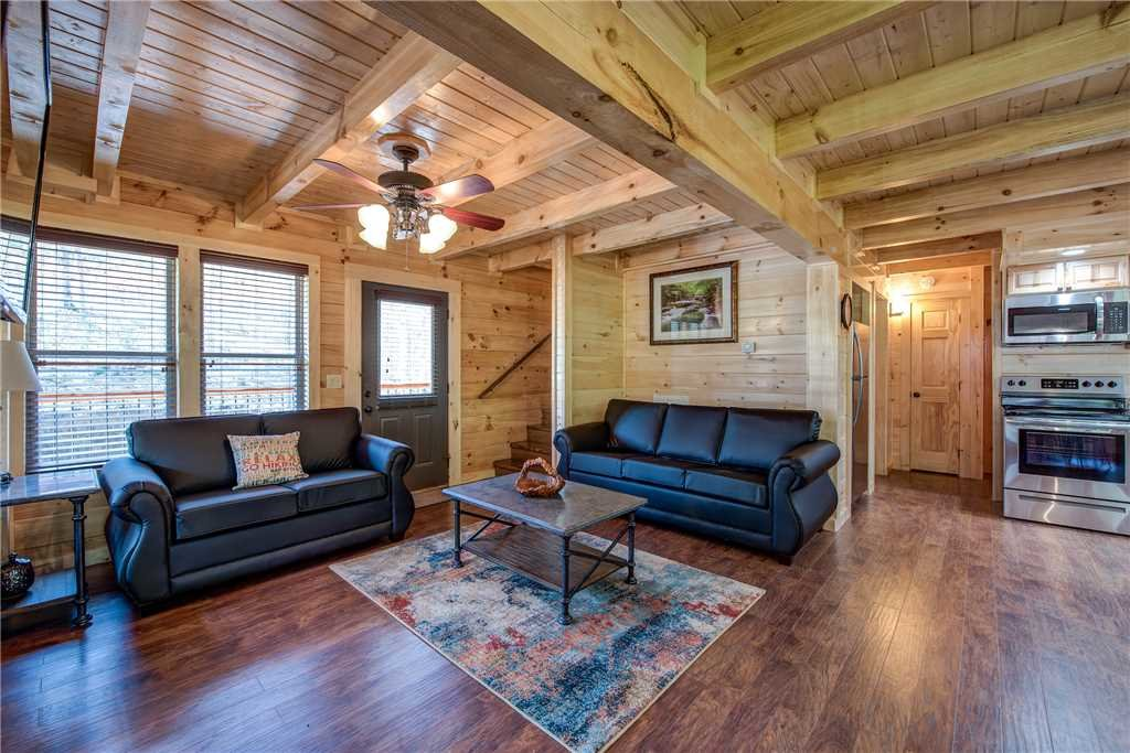 Photo of a Pigeon Forge Cabin named Woodland Escape - This is the second photo in the set.