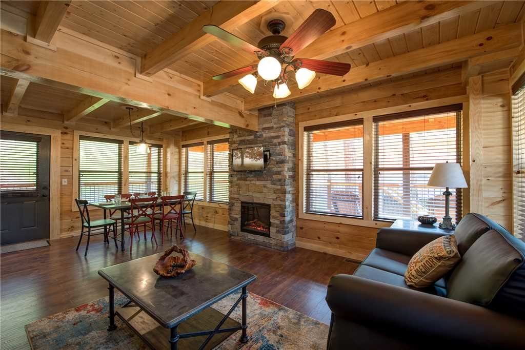 Photo of a Pigeon Forge Cabin named Woodland Escape - This is the third photo in the set.