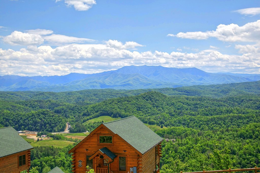 Photo of a Pigeon Forge Cabin named Heavenly Views (#97) - This is the thirteenth photo in the set.