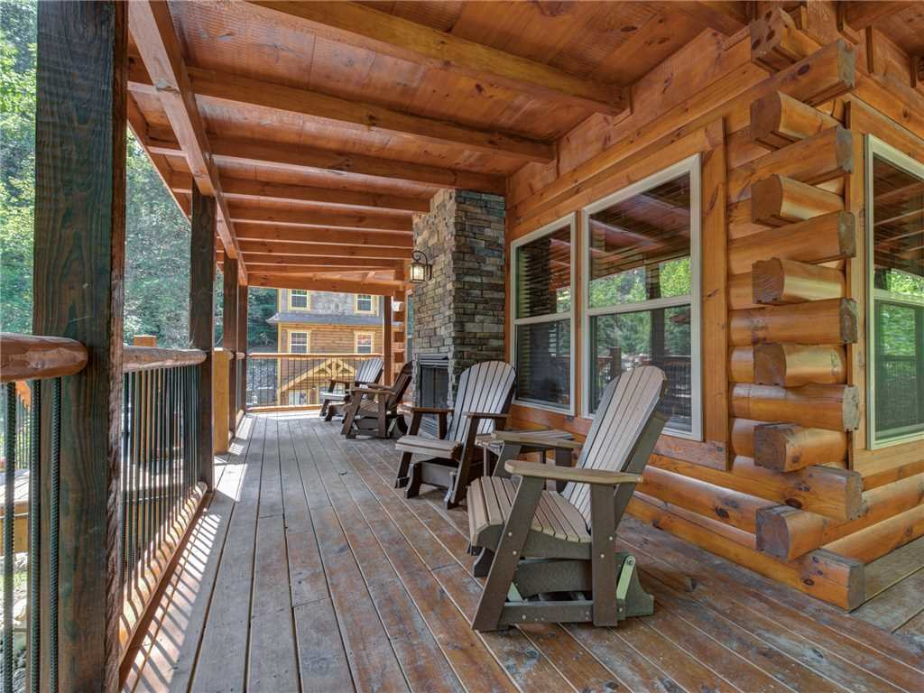 Photo of a Pigeon Forge Cabin named Woodland Escape - This is the twenty-second photo in the set.