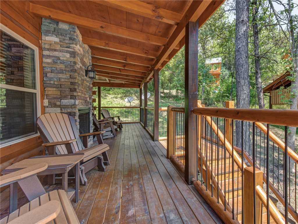 Photo of a Pigeon Forge Cabin named Woodland Escape - This is the twenty-seventh photo in the set.