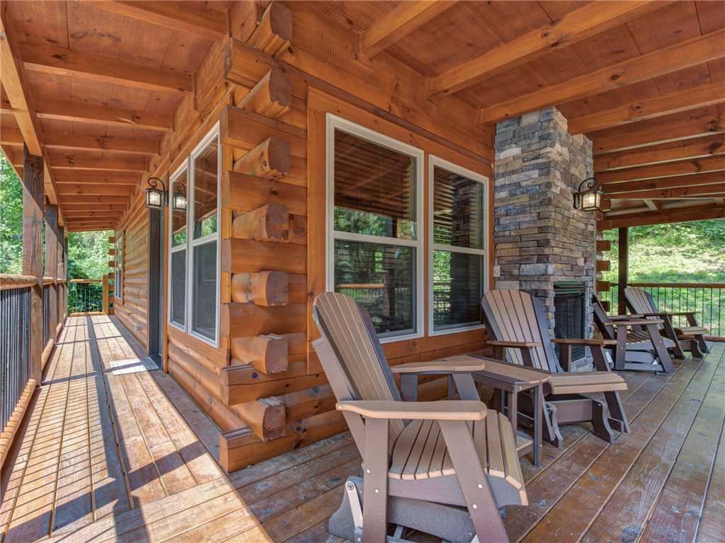 Photo of a Pigeon Forge Cabin named Woodland Escape - This is the twenty-fifth photo in the set.