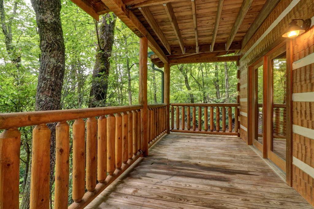 Photo of a Sevierville Cabin named Up The Creek - This is the twenty-sixth photo in the set.