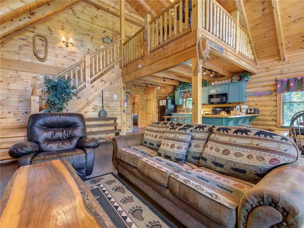 Photo of a Pigeon Forge Cabin named Wilderness Theater And Lodge - This is the third photo in the set.