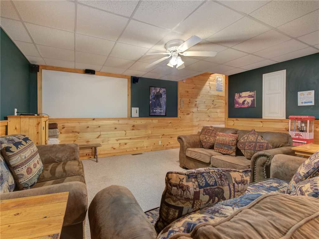 Photo of a Pigeon Forge Cabin named Wilderness Theater And Lodge - This is the sixth photo in the set.