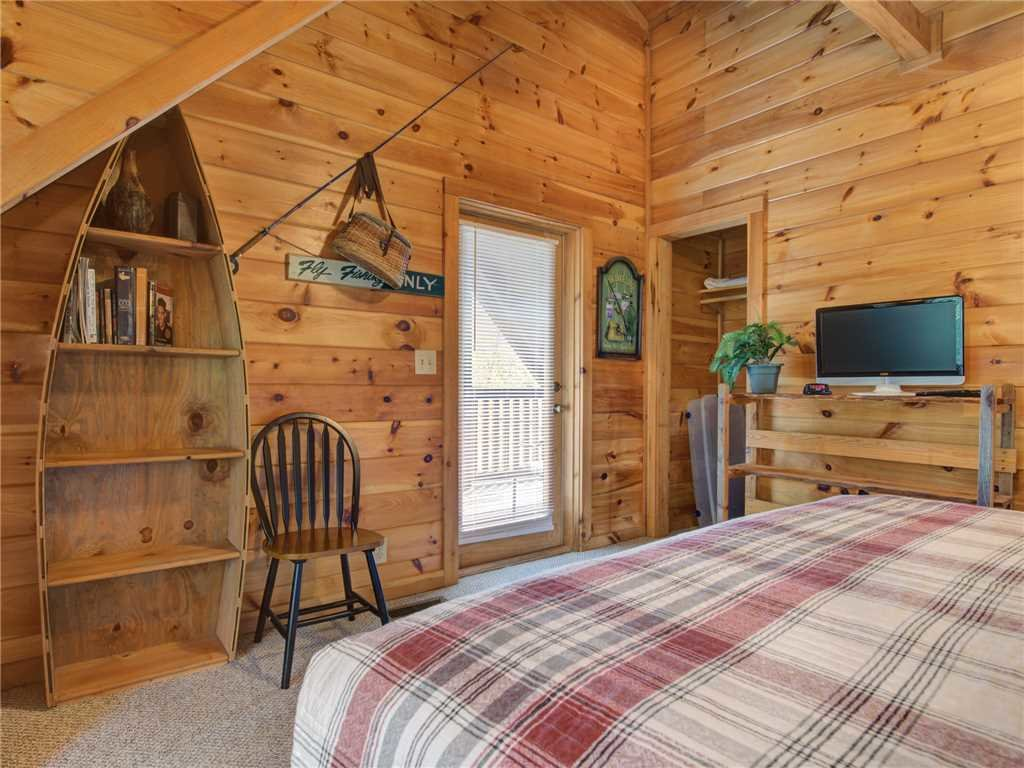 Photo of a Pigeon Forge Cabin named Wilderness Theater And Lodge - This is the fifteenth photo in the set.