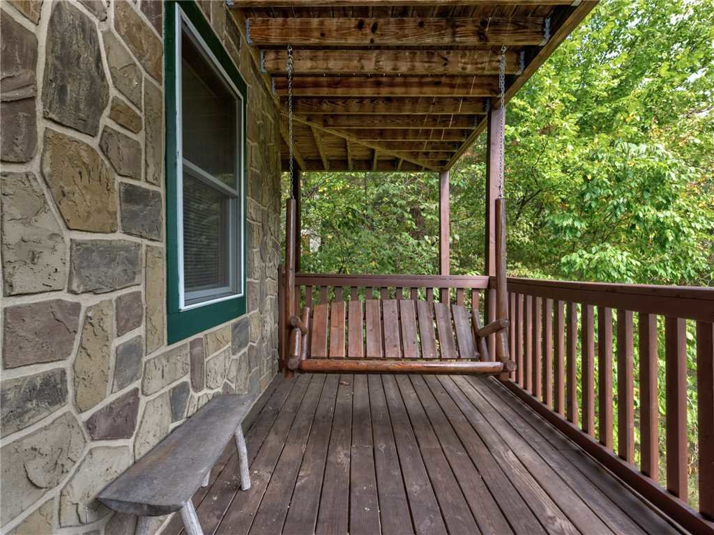 Photo of a Pigeon Forge Cabin named Wilderness Theater And Lodge - This is the twenty-second photo in the set.
